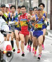 各チームの主力がしのぎを削る最終日のスタート区間でレースを引っ張る小城市の溝田槙悟(右手前)=24区