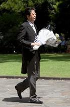 安倍首相、靖国神社に玉串料奉納