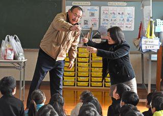 佐賀のニュース 食材、生産者に学ぶ鳥栖小3年生