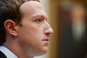 フェイスブック(FB)のザッカーバーグ最高経営責任者(CEO)=2019年10月、ワシントン(ロイター=共同)