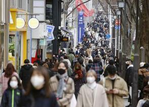 東京で新規感染1592人