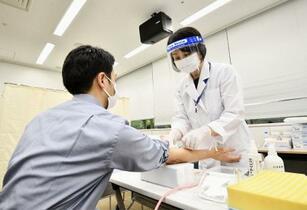 コロナ抗体保有の大規模調査開始