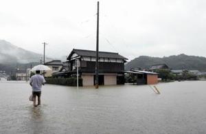 今年6月の大雨で冠水した武雄市橘町の片白地区。浸水被害はあるものの、六角川水系の治水工事で浸水戸数や面積は減少している