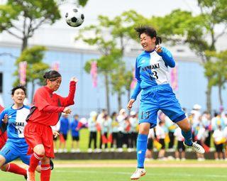 サッカー女子は神埼10連覇 県高校総体