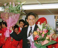 当時、全国の県都で最年少市長となる初当選を果たした木下敏之氏=1999年3月14日、佐賀市