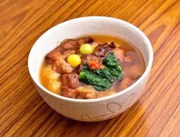 牟田食堂の「自家製ゆず胡椒香る豚丼」。1日30杯、14日まで(提供写真)