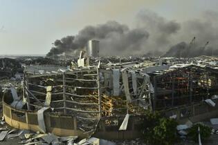 レバノン爆発、死者113人に