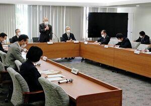 ワクチン接種などを議題に開いた佐賀市の新型コロナウイルス感染症対策本部会議=佐賀市役所
