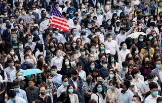 香港、混迷深まり夜間外出禁止も