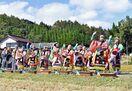 「府招浮立」多彩な舞 伊万里・愛宕権現神社で秋祭り