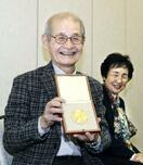 吉野さんノーベル授賞式から帰国