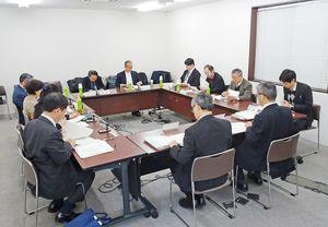 技能検定の部門の統廃合について取りまとめた有識者会議=東京・霞が関の厚生労働省