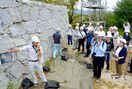 市史跡指定を記念、唐津城で探訪会 160人参加、講演も