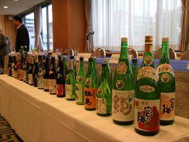 原産地呼称管理制度で認定された日本酒35銘柄と焼酎3銘柄=平成17年3月22日