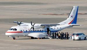 韓国政府が派遣した大統領専用機=18日午後、羽田空港