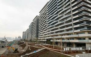 整備が進む東京五輪・パラリンピックの選手村=24日、東京・晴海
