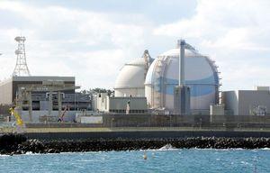 九州電力玄海原発3号機(手前)と4号機=東松浦郡玄海町