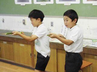 〈子どもと一緒〉竹で作る紙鉄砲