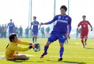 熱く燃えて(1) 男子サッカー龍谷、佐賀学園など軸
