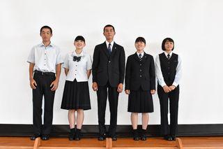 県初採用 女子制服にスラックス 来春開校、伊万里実業高