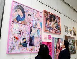 佐賀北高で美術を専攻した卒業生らの作品が飾られた会場=県立美術館