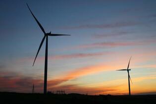 脱炭素へ石油ガス新規開発停止を