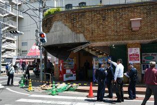 【速報】佐賀玉屋で外壁・天井崩落
