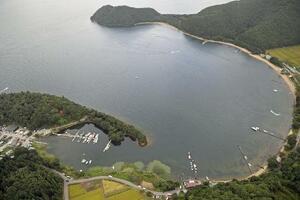 2020年9月に事故が起きた猪苗代湖の中田浜=福島県会津若松市