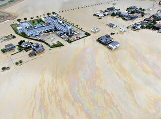 <佐賀豪雨から半年>佐賀鉄工所の油流出 建屋東側シャッター一時開いた状態
