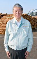 山を守る活動への意欲を新たにしていた林雅文さん=伊万里市の伊万里木材市場