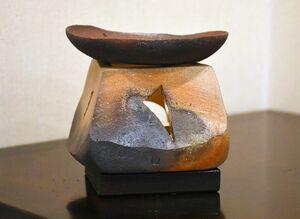 窯変の美が味わい深い焼締の茶香炉