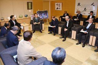 衆院選・唐津市の離島票 知事、台風による繰り延べに理解