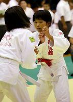 6年女子43キロ未満級で優勝した板橋真子(精道館)=嬉野市体育館