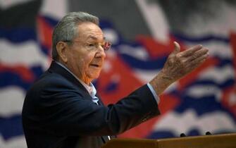 キューバのカストロ氏、退任表明