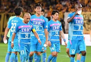 1―4で敗れ、厳しい表情を見せる鳥栖イレブン=仙台市のユアテックスタジアム仙台