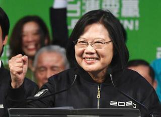 蔡英文氏、過去最多得票で再選