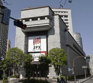 東証続伸、2万2千円を回復