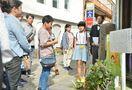 佐賀のニュース 「子どもガイド」八賢人と町歩き