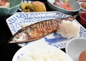 「さんま定食」(850円、夜1080円)