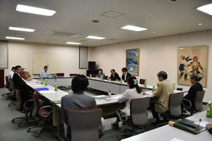 「さが桜マラソン2018」の救護体制について振り返った会議=佐賀市の佐賀新聞社