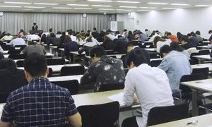 4月に行われた、外食分野の特定技能試験、東京会場の様子=東京都内(一般社団法人外国人食品産業技能評価機構提供)