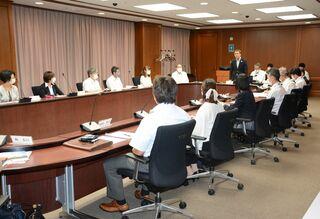中高一貫校の現状と課題を報告 佐賀県立学校教育懇話会が初会合