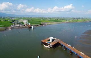 <空さんぽ>建設中の六角川大橋