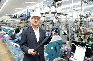 輸入品と闘い自社ブランド展開 イイダ靴下・飯田拓二社長(46歳)