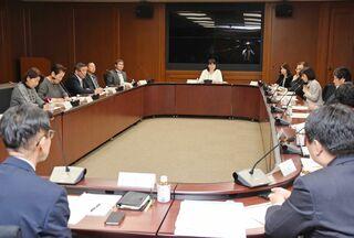 「自撮り要求に罰則」承認 県審議会、条例改正提案