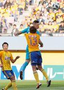 新布陣、ゴールに執念 鳥栖3-2仙台