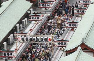 東京・浅草三社祭は10月に延期