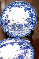 知人からもらった12種類の唐子絵の器は現在、この2枚の皿だけ残っている