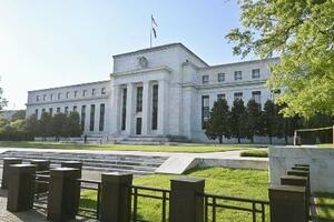 米連邦準備制度理事会(FRB)の建物=6月、ワシントン