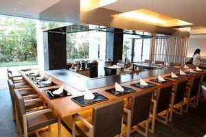 ホテル内の鉄板ダイニング「佐賀竹彩」。佐賀牛など県産食材が味わえる